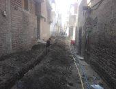 صور.. بدء العمل فى تركيب خطوط الغاز الطبيعى للمنازل والشوارع بمدينة إسنا جنوبى الأقصر