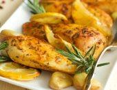 طريقة عمل أوراك الدجاج والليمون والبطاطس