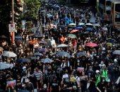 الآلاف يخرجون فى مسيرة بهونج كونج وإغلاق محطات مترو