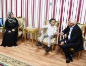 صور.. محافظ بورسعيد يستقبل الطالب يوسف ضاحى ويوجه بعلاجه من ضعف السمع