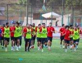 لاعبو الأهلى فى مطار القاهرة 9 صباح الخميس قبل السفر للإمارات