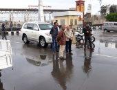 صور.. محافظ بورسعيد يتفقد أعمال شفط تجمعات مياه الأمطار وإنسياب مرورى بالشوارع