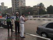 صور بـ1000 كلمة تلخص دور رجال المرور والشرطة فى مواجهة الأمطار