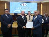 صور.. محافظ السويس يكرم أعضاء منظمة سيناء العربية الفدائية والمقاومة الشعبية