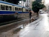 هطول أمطار رعدية بالإسكندرية.. والمحافظة تكثف أعمال كسح المياه بالشوارع.. صور