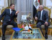العصار يلتقى وزير الصناعات العسكرية البيلاروسية لبحث التعاون المشترك