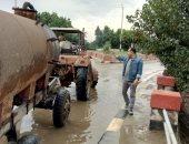 توزيع سيارات لشفط مياه اﻷمطار بمحاور وكبارى القاهرة والجيزة لمنع الحوادث