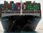 الفريق أسامة ربيع: انتظام حركة الملاحة بقناة السويس وعبور 73 سفينة