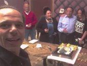 """فيديو.. الزعيم يحتفل بعيد ميلاد داليا البحيرى فى """"فالنتينو"""""""
