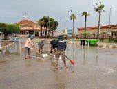 استمرار رفع تجمعات مياه الأمطار من شوارع دمياط