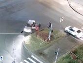 """""""نهاية غير متوقعة"""".. شاهد شجار بين مخمور وسائق تاكسى"""