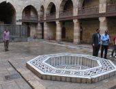 الآثار تزيل المياه الناتجة عن الأمطار فى المواقع الأثرية