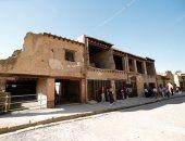 صور.. إعادة افتتاح منزل أثرى فى هركولانيوم بإيطاليا بعد انتظار 36 عاما