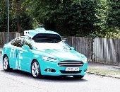 تاكسى بدون سائق ينقل راكبًا فى شوارع بريطانيا لأول مرة.. صور