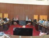 البحر الأحمر تناقش آليات تنفيذ قرار الحد الأدنى للأجور بمختلف مدنها