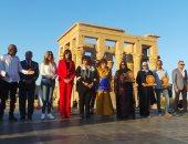 تكريم لبنى عبدالعزيز ومحمود قابيل ورانيا فريد شوقى بمهرجان الأفروصينى بأسوان