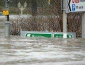 بريطانيا تنشر 200 جندى للمساعدة فى درء آثار فيضانات ضربت منطقة يوركشير