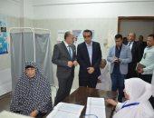 صور.. نائب محافظ الإسماعيلية يتفقد الوحدات الصحية ويتابع مبادرة المسح السمعى