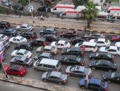زحام مرورى بسبب اصطدام سيارة برصيف شارع فيصل