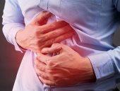 ما الذي يسبب الشعور بالنبض في المعدة؟