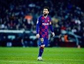 """برشلونة ضد سلتا فيجو.. ميسي يواصل سحره ويسجل الهاتريك بركلة جديدة """"فيديو"""""""
