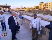 """صور.. السفير الإيطالى بمصر يستمع لشرح حول خطة إحياء """"طريق الكباش"""""""