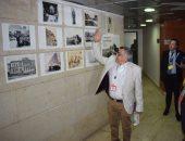 صور.. السفير الإيطالى بمصر يختتم زيارته للأقصر بجولة على معرض صور تاريخية