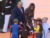 فيديو.. ترامب وميلانيا يحتفلان بعيد الهالوين مع الأطفال فى البيت الأبيض
