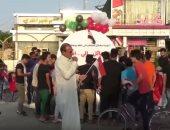 فيديو.. بالونات طائرة تحمل رسائل.. حيلة جديدة لمتظاهرى العراق لإيصال أصواتهم
