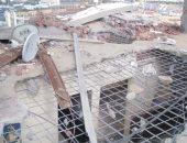 صور .. البدء فى إزالة الأجزاء الخطرة من عقار الورديان المائل غرب الإسكندرية