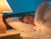 يسبب أمراض القلب و السكتة الدماغية.. احذر مخاطر النوم فى الضوء