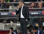 ماركا: قلة التدريبات وسيطرة النجوم وراء إقالة فالفيردى من برشلونة