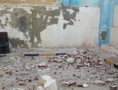انهيار جزئى بعقار وسط الإسكندرية.. والحى يقرر إزالة الأجزاء الخطرة