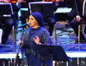 صور.. آيات فاروق تقدم ميدلى لأغاني نجاة الصغيرة بمهرجان الموسيقي العربية