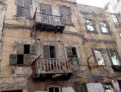 حى الجمرك بالإسكندرية: معاينة 3 عقارات آيلة للسقوط وتمثل خطورة على أرواح السكان