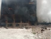 الحماية المدنية بالقليوبية تواصل أعمال التبريد بحريق مصنع أبو حوا