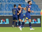 النصر يتخطى الفيصلى ويتقاسم مع الهلال صدارة الدوري السعودي.. فيديو