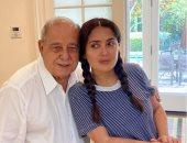 """سلمى حايك تحتفل بعيد ميلاد والدها بـ""""العربى"""" وتشكره على جيناتها اللبنانية"""