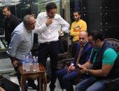 النبراوى يعرض على تامر مرسى البروفة النهائية لحفل افتتاح بطولة أفريقيا للشباب