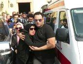 فنانون يشاركون في تشييع جثمان والد أكرم حسني من مسجد طلعت مصطفى بالرحاب