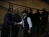 هنيدي ومصطفى شعبان وعمرو سعد ودنيا سمير غانم ونجوم الغناء في عزاء والد أكرم حسنى