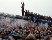 فيديو.. عرض أشهر سيارات ألمانيا الشرقية احتفالًا بذكرى سقوط جدار برلين