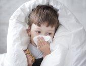 فيديو معلوماتى.. الشتاء على الأبواب.. كيف تحمى طفلك من انخفاض حرارة الجسم؟
