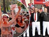 """أغرب وسائل الاحتجاجات حول العالم.. الأتراك يرتدون """"الكلسون"""" لأردوغان بسبب التردى الاقتصادى.. لبنانيون يحتجون ضد السياسيين بالدبكة.. ونساء تعرى صدورها بفرنسا احتجاجا على حرائق الأمازون"""