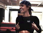 فيديو.. هالى بيرى أكثر رشاقة بفضل ممارسة التمارين الرياضية