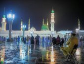 صور.. أمطار غزيرة تضرب المدينة المنورة وعدد من محافظات السعودية