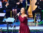"""كارمن سليمان تختتم حفلها فى مهرجان الموسيقى العربية بـ""""أنا هنا يا ابن الحلال"""""""