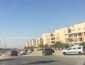 انتظام حركة السيارات بشارع التسعين فى التجمع الخامس بالاتجاهين