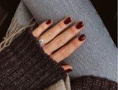 8 أفكار مانيكير مناسبة لصاحبات الأظافر القصيرة بألوان ملائمة للخريف والشتاء