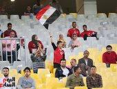شاهد.. الجماهير تؤازر المنتخب الوطني أمام كينيا